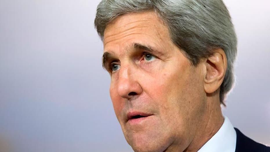 Kerry issues non-apology apology for apartheid comment