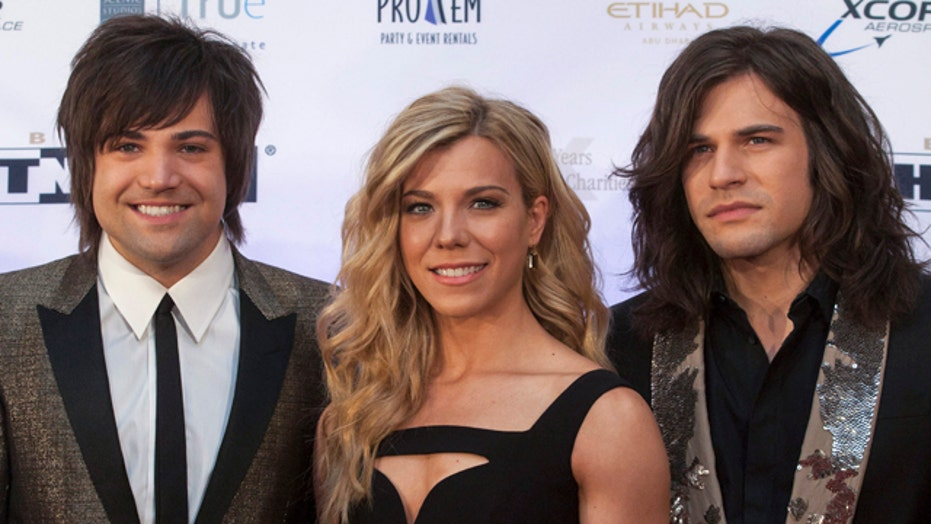 The Band Perry's traveling tweeter