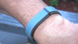 Tech Take: Clayton Morris demos the new FitBit Flex, which monitors your steps, sleep and weight all from your wrist