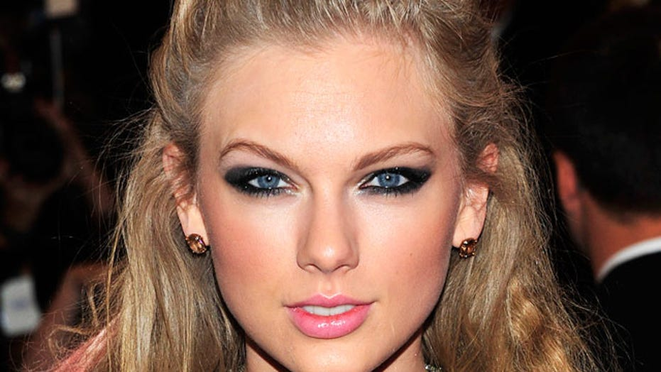 Taylor Swift obsessed fan arrested for trespassing