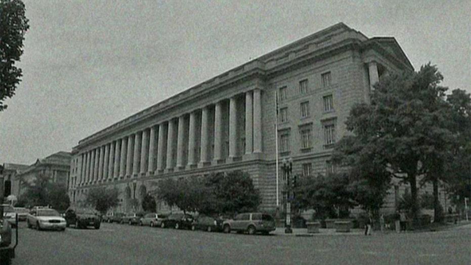 Report: Amid scandal, IRS execs collected big bonuses