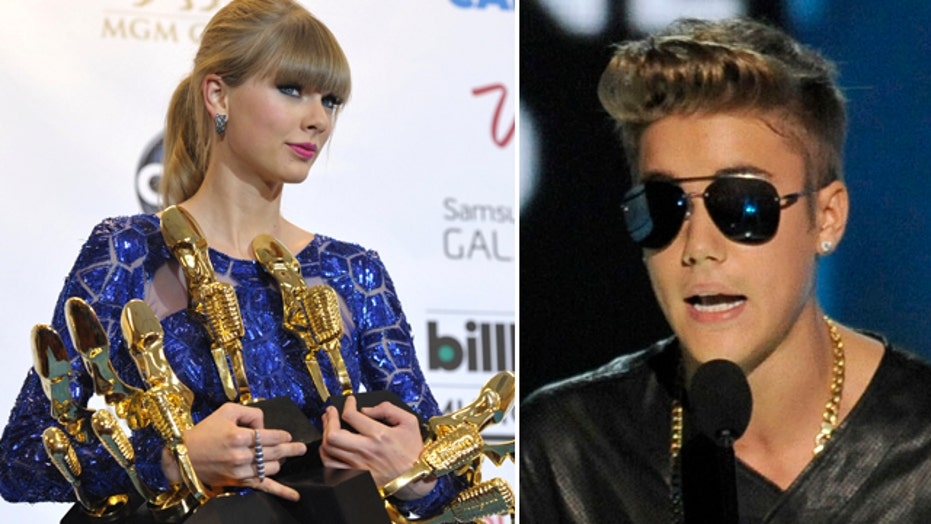 Bieber booed, Swift wins big at Billboard Music Awards