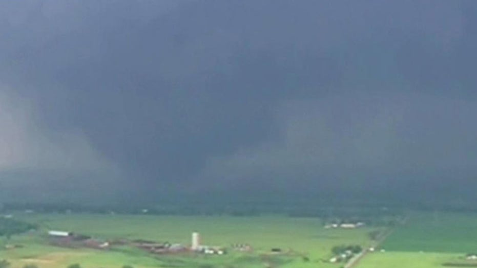 Tornado touches down in Oklahoma