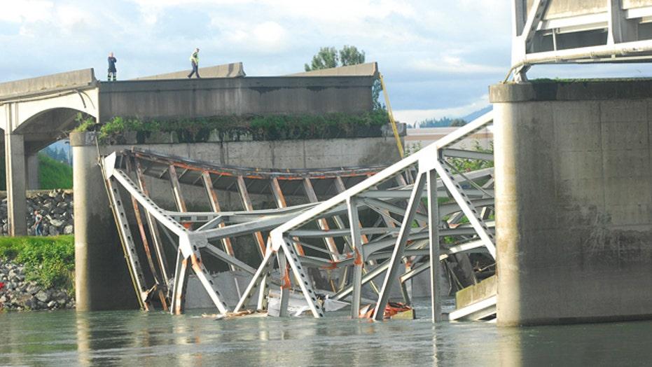 Bridge collapse sends cars into water