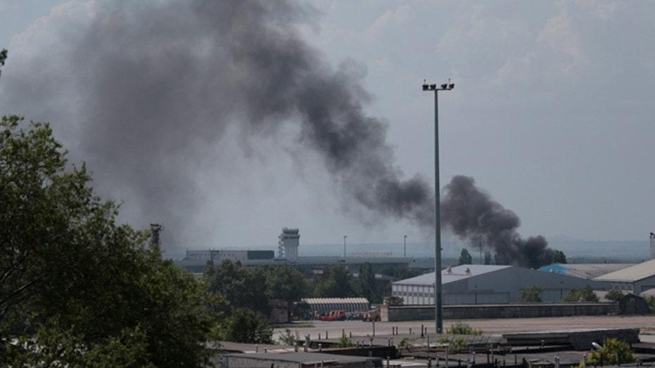 Ukraine launches air strikes to reclaim Donetsk airport