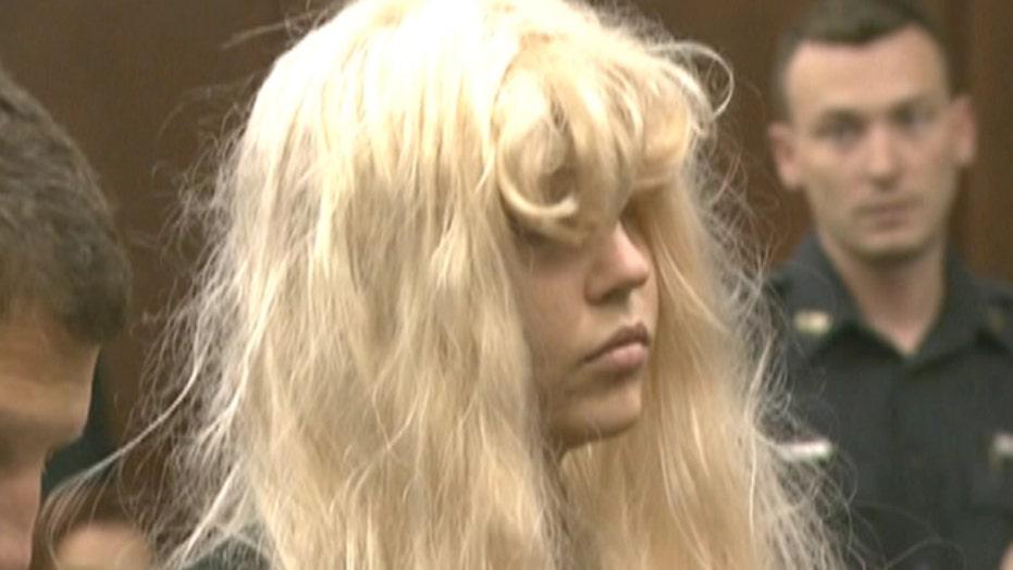 Break Time: Amanda Bynes lashes out at RiRi