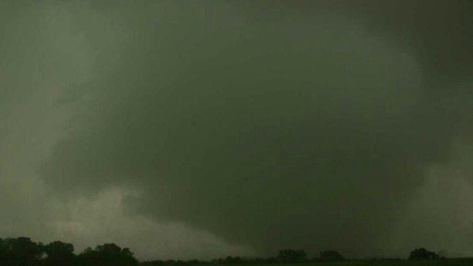 Storm chaser in Kansas tornado: 'This thing is a monster'