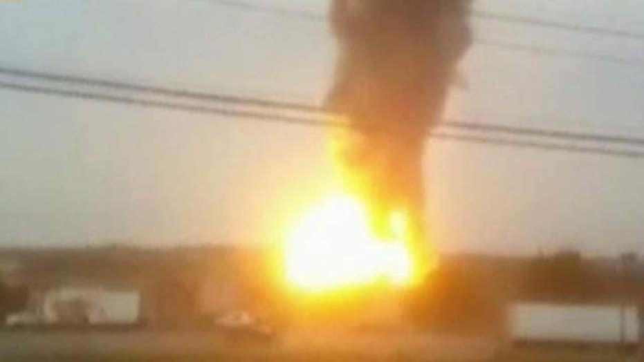 Massive explosion after train derails in Maryland