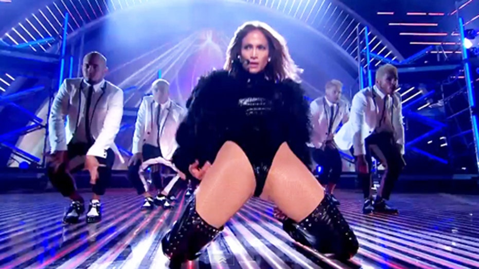 Break Time: Jennifer Lopez gets super naughty on stage