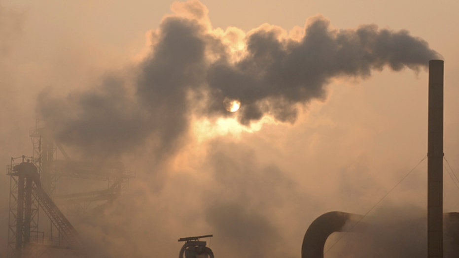 Democrats fight Obama's EPA emissions rule