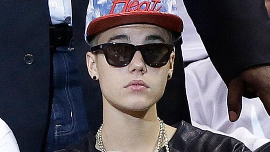 Bieber masterminds attack on photographer?