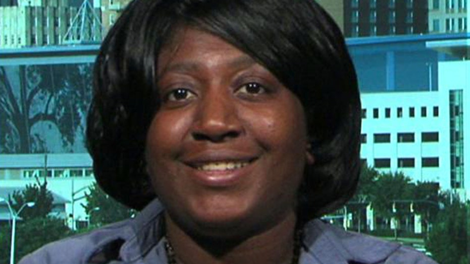 Waffle House manager denies waitress $1,000 tip left for her
