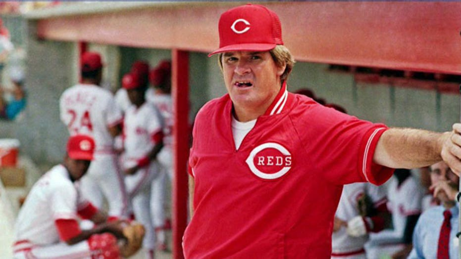 Pete Rose returns to baseball for a day