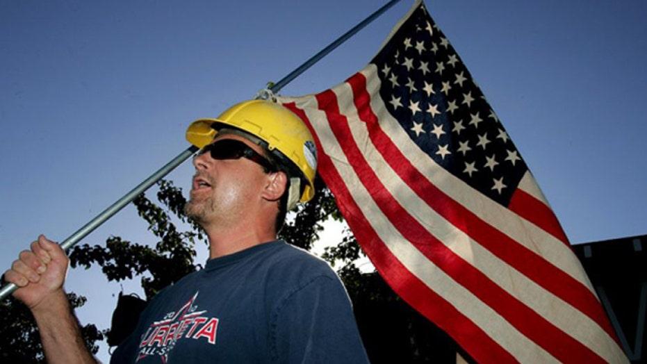 Immigration standoff puts California town in spotlight