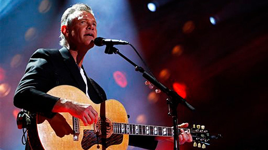 Randy Travis in critical condition in Texas hospital