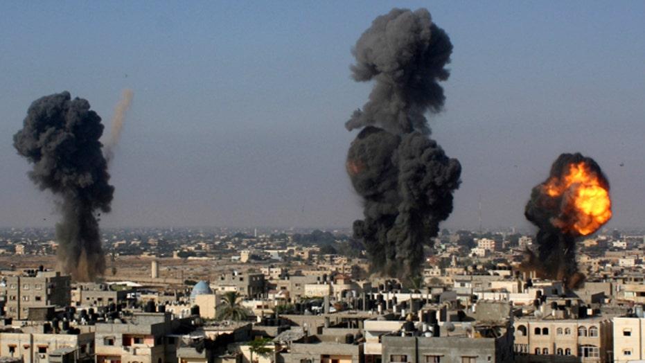 Israeli military steps up Gaza Strip airstrikes