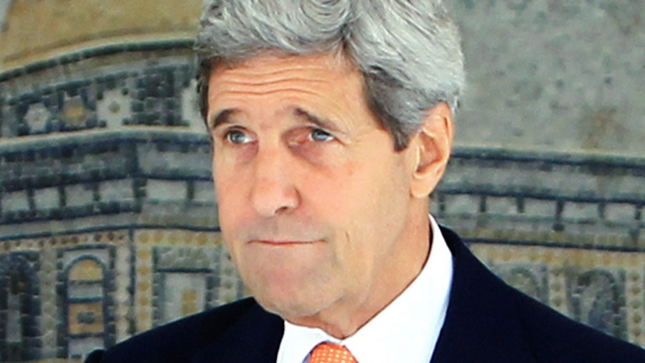 Kerry flies to Israel to push for truce amid FAA flight ban