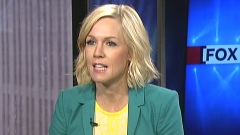Jennie Garth warns young stars