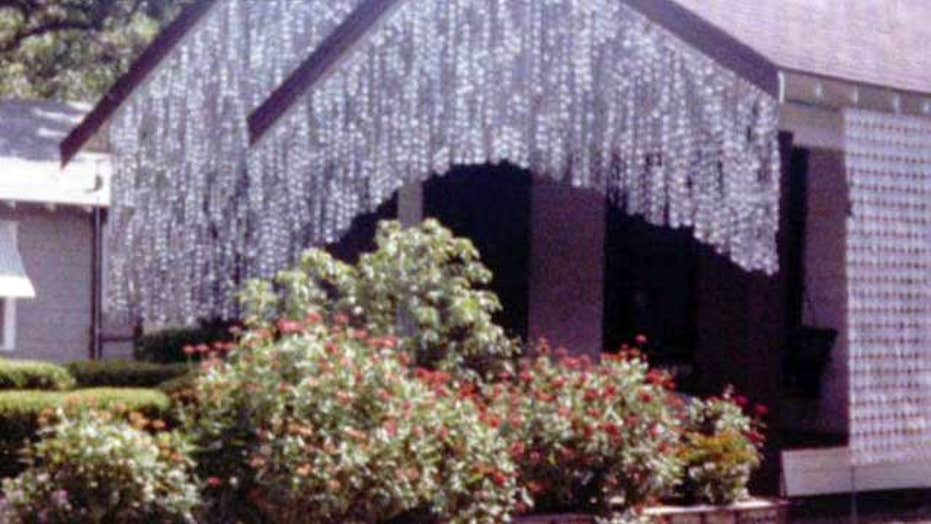 Tourists flock to see Houston's 'beer can' house