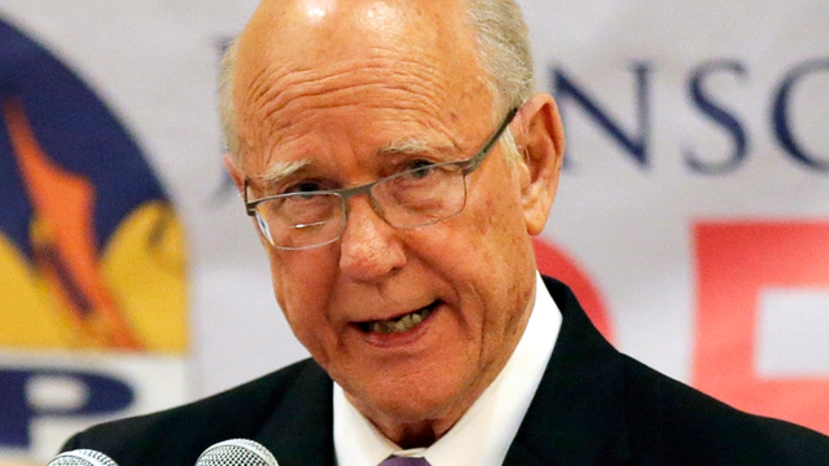 Sen. Roberts defeats Tea Party challenger in Kansas primary