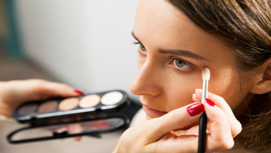 Chemicals In Cosmetics Is Organic The Safer Way To Go Fox News - Fox-makeup