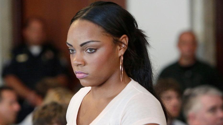 Hernandez's girlfriend may have dumped murder weapon
