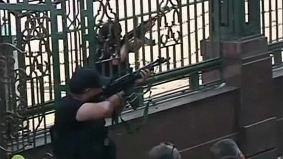 Egypt Security forces storm Cairo mosque