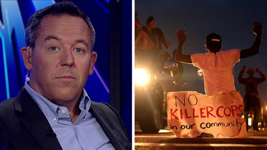 Gutfeld: Media seize on Ferguson, ignore Chicago