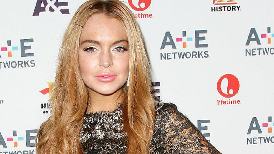 Lindsay Lohan's credit card declined in bar?