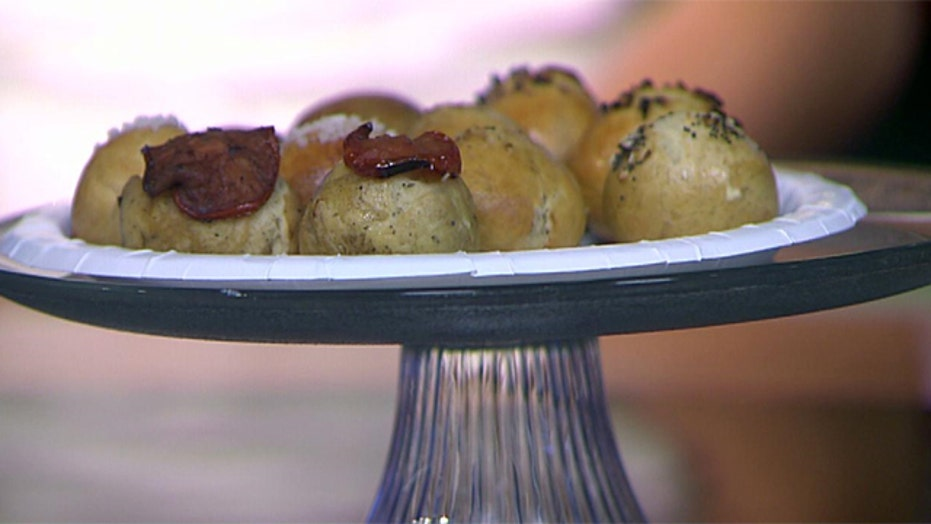 Bite-sized bagel balls for breakfast eaters on the go