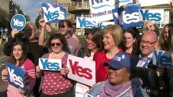 British pound falls over Scotland independence referendum fears