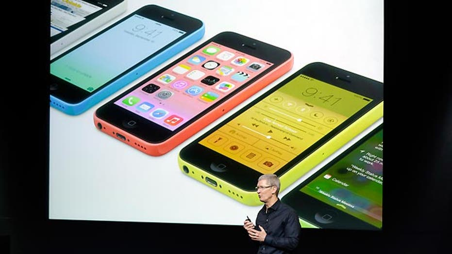 Are the iPhone 5S and 5C worth picking up?