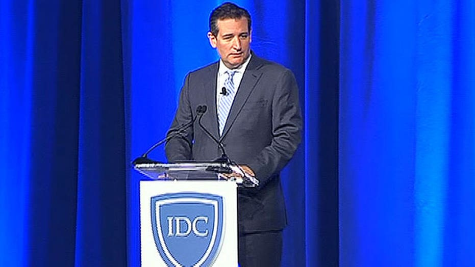 Raw video: Ted Cruz booed off stage