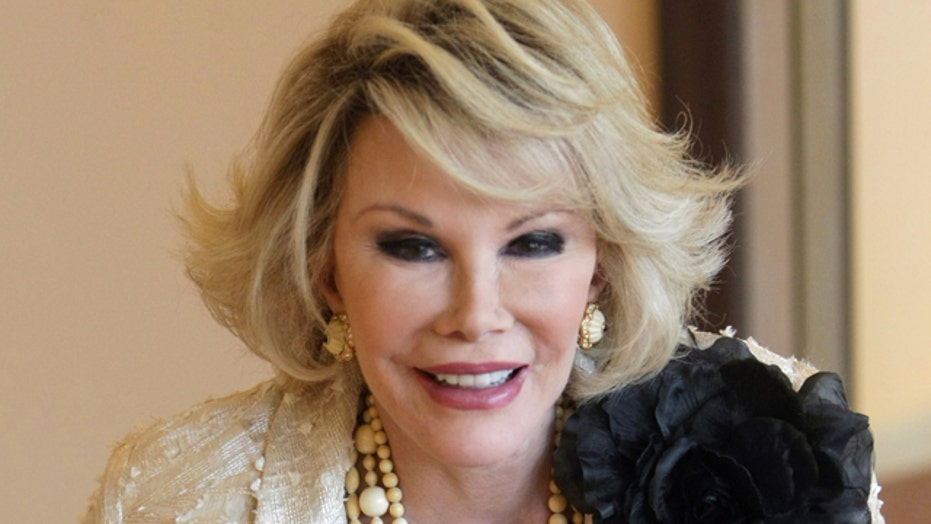 Doctor reportedly took selfie during Joan Rivers' operation