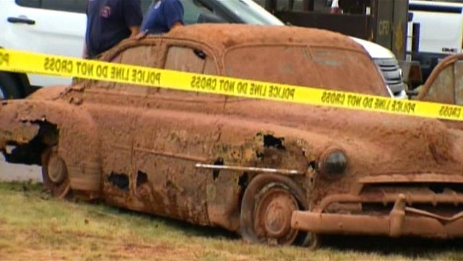 Remains found in vehicles recovered from Oklahoma lake
