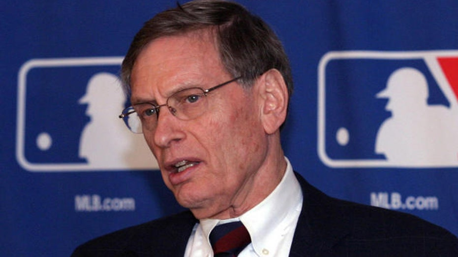 Bud Selig to step down as MLB commissioner