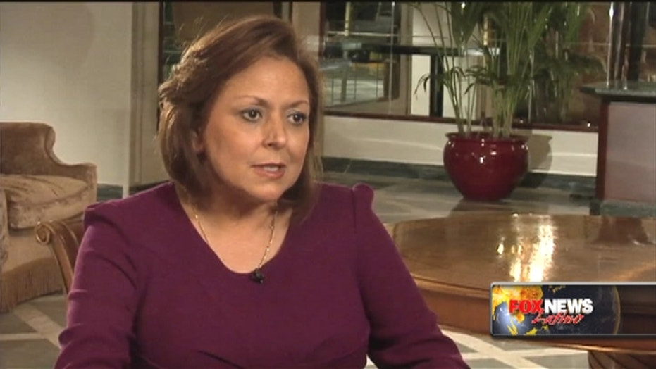 Gov. Martinez riding coalition with conservative Democrats