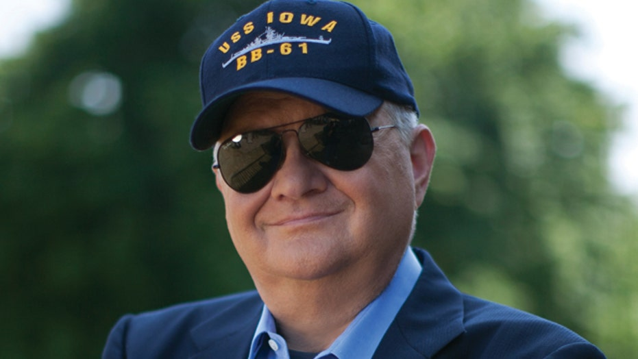 Tom Clancy dies