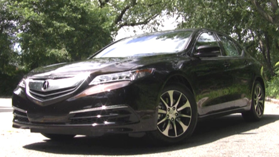 Acura steers with four wheels
