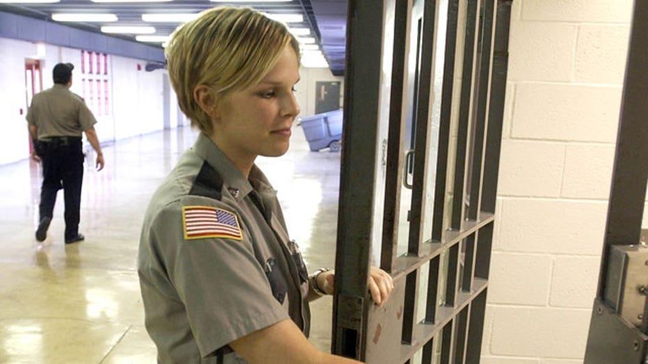 Shutdown side effect: Prisoners get paid, prison staff don't