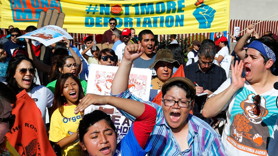 Illegal immigrant activists protest against deportations