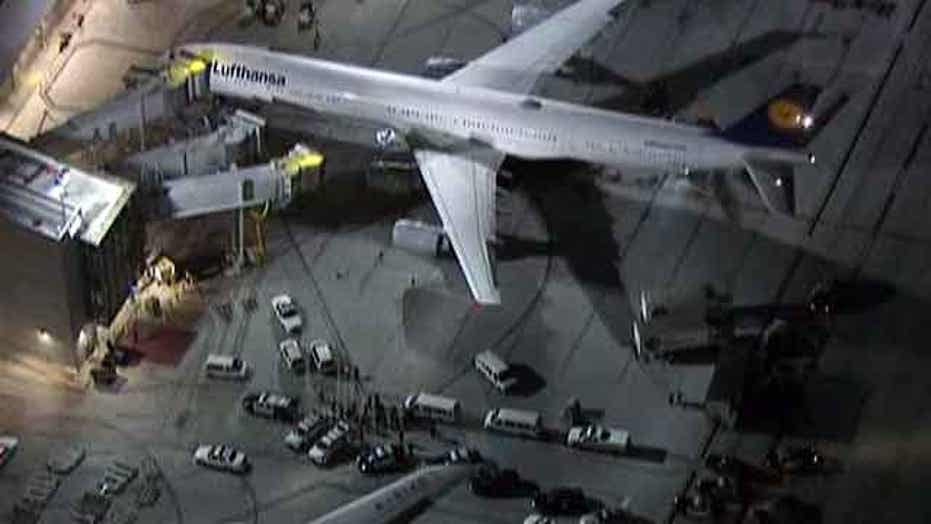 Dry ice explosion rocks LAX for second night