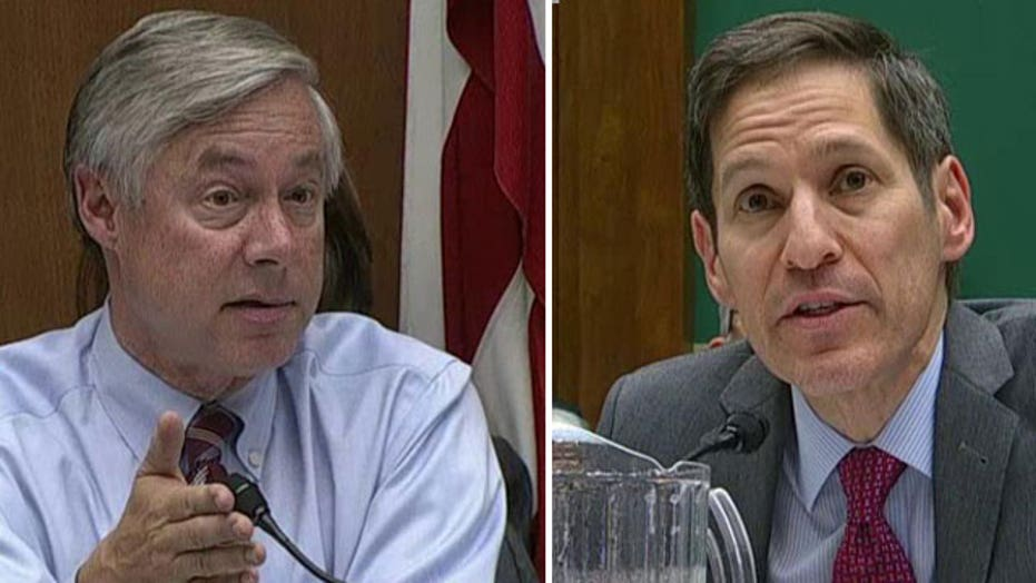 Lawmaker presses CDC chief on opposition to Ebola travel ban