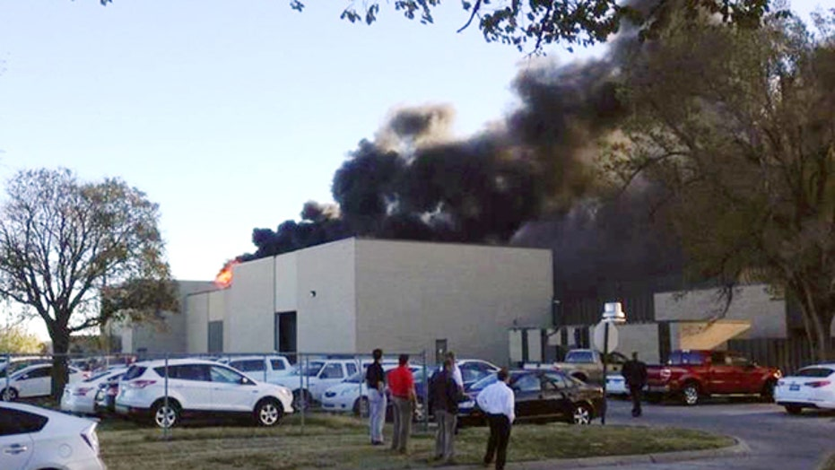 Small plane crashes at Wichita, Kansas airport