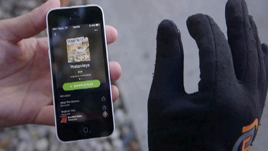 Smart glove makes controlling smartphones simple