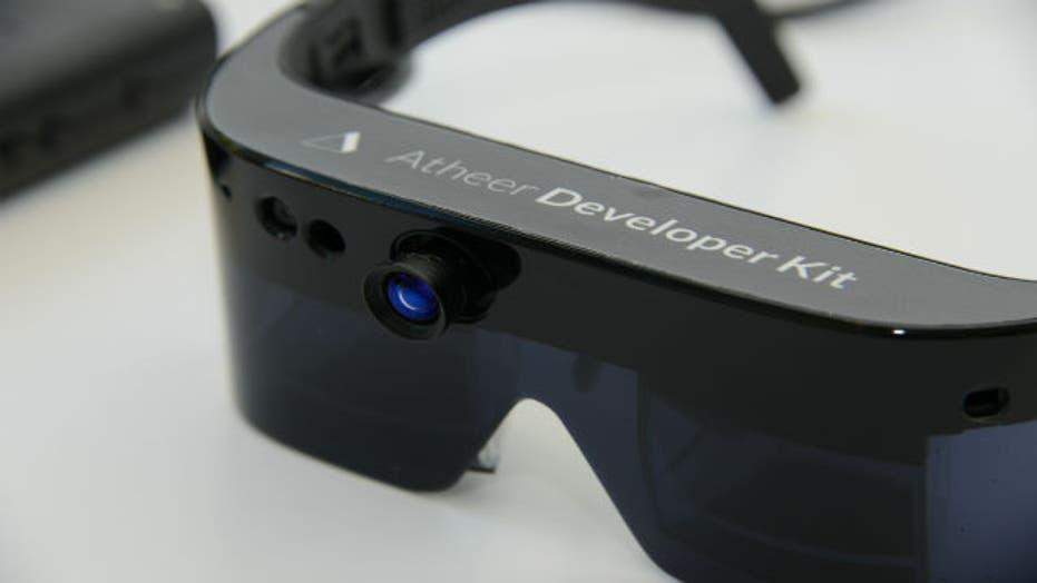 New 3-D smart glasses for doctors