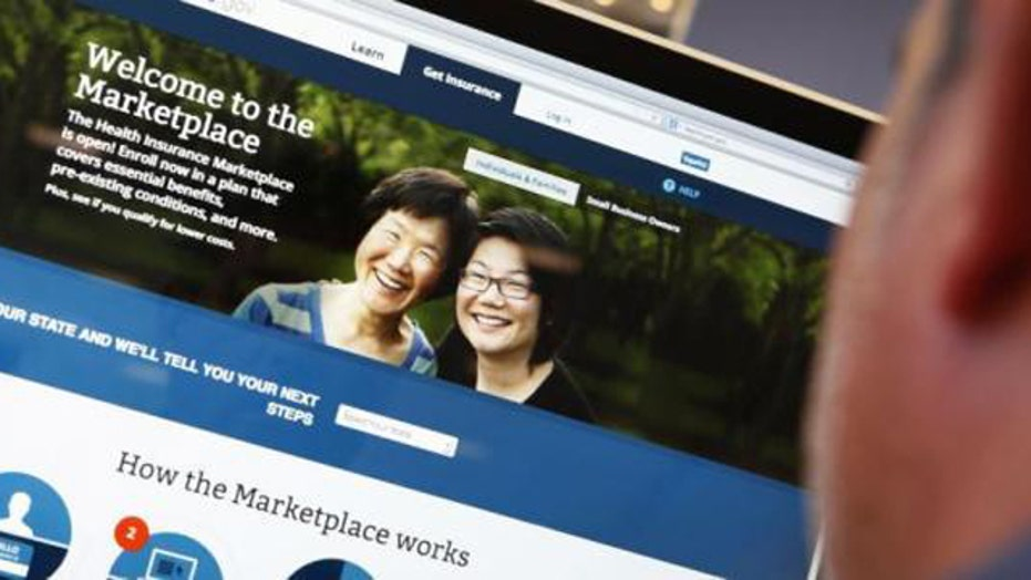 White House worried too many users will swamp healthcare.gov