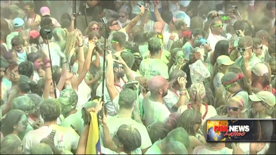 Thousands of Venezuelans take part in ' The Color Run'