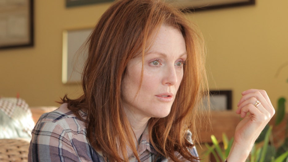 Julianne Moore heats up Oscar race with 'Still Alice'