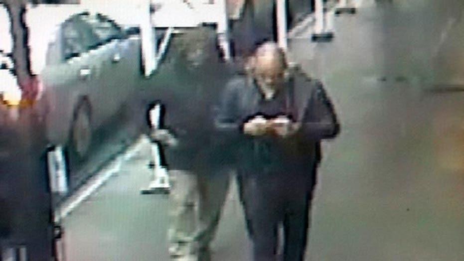 Police release images of gunman in Manhattan shooting